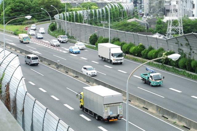 3tトラックドライバー /完全週休2日制/ 15時までのお仕事/特長イメージ